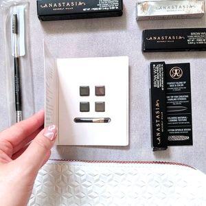 Anastasia Beverly Hills Brow Kit - {sample sizes}